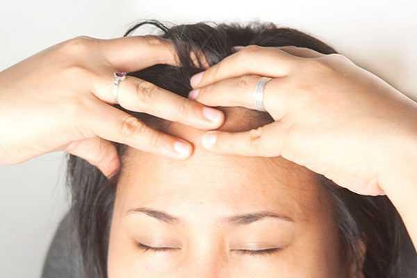Массаж головы пальцами: шаг 3