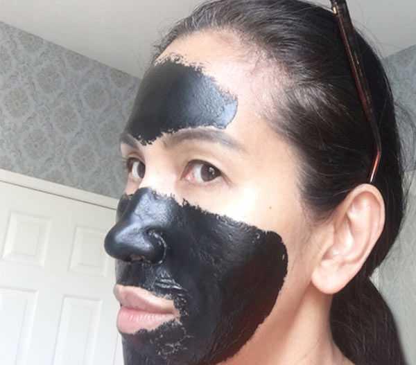 Чёрная маска для очищения пор